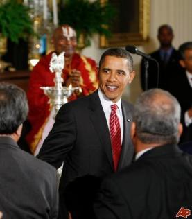barack-obama-sri-narayanachar-digalakote-2009-10-14-17-11-43