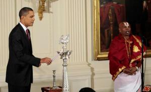 barack-obama-sri-sri-narayanachar-digalakote-2009-10-14-17-10-54
