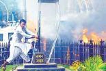 Mumbai_rioter_2_295