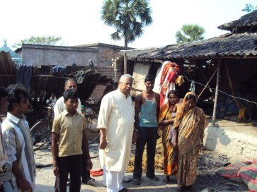 BJP Leader Tathagata Roy is speaking with the riot Affected Hindus at Satmukhi, Canning.