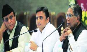 UP Cabinet minister Azam Khan (Deptt. of Minority Welfare), UP CM Akhilesh Yadav and Union Minority Affairs Minister K Rehman Khan, in Lucknow on Tuesday. Photo: Vishal Srivastav.