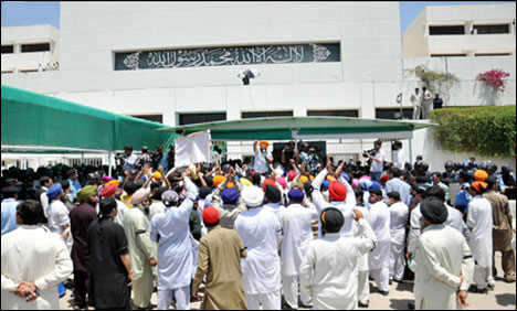 Sikhinparliament_5-23-2014_148595_l