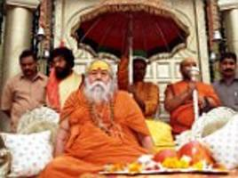 3025-Ancient-Gujarat-temple-to-remove-Sai-idol-after