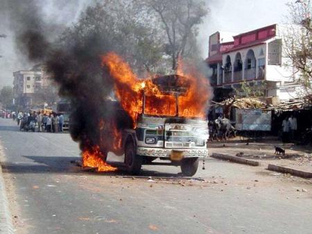 Hathras Violence ater Gang Rape victim succumbs to burn injuries .