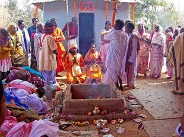 All took part in a very natural a devotional  way of a Home coming marked with Fire sacrifice (Yanjna). 2000 participants took prasadam. Pic. One India.