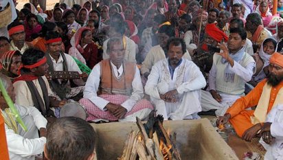 At least 150 tribals were converted to Hinduism at Khoramdanga village in Bengal's Birbhum district on Wednesday. (Surajit Ghosh Hazra/ HT Photo)