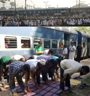 namaz in railway station and premises
