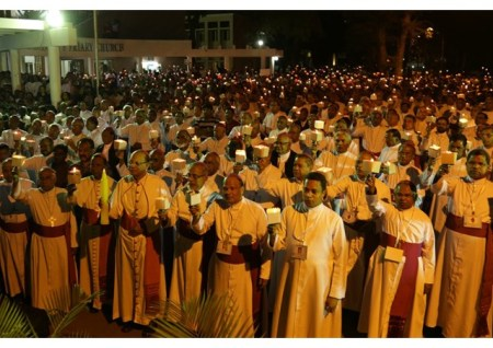 Latin-rite bishops who form the Conference of Catholic Bishops of India (CCBI) leading a candlelit procession in Bangalore, Feb. 6. - RV.