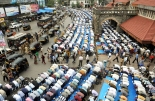 Namaz Menace in Mumbai stranded the public life in hell frequently......