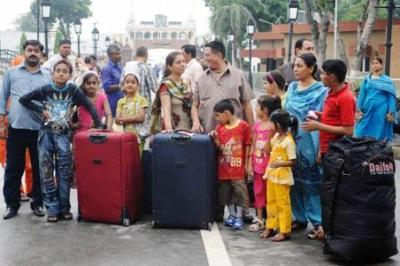 Pakistani Hindus at Wagah border (File photo)