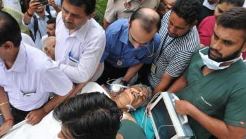 enior Rashtriya Swayamsewak Sangh (RSS) leader, Brigadier Jagdish Gagneja (retd) being shifted to Hero DMC Heart Institute, Ludhiana from a private hospital in Jalandhar on Sunday. HT Photo.