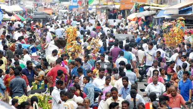 The Tambaram market in chennai busy with vinayagar chaurthi sales.(D SAMPATHKUMAR|EPS)