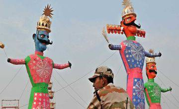 Effigy of demon king Ravana, Meghnath and Kumbhkaran on the eve of Dussehra festival, at a ground in the Capital on Wednesday-----The Statesman------21--10--15
