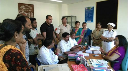 Hindus submitting representation to Dr. Geeta Kakodkar, medical superintendent of Asilo Hospital.